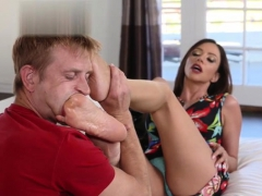 Hot Pornstar Footjob With Cumshot | Porn Bios