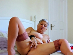 europemature-huge-breasts-solo-action