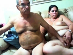 mature-bbw-fingering-her-snatch
