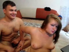Amateur Catty190 Flashing Ass On Live Webcam