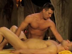 loving-gay-massage-he-loves