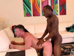 muscular-white-stud-gets-a-huge-load-in-his-mouth