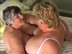 grandma-lesbo