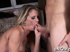 mature playgirl gets her cunt gap split by throbbing cock