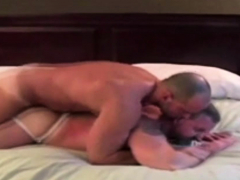 muscle-gay-fuck-hot-daddy