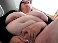 Bbw Granny Linda Masturbation With Beads