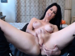 perfect-brunette-uses-dildo-on-cam-solo