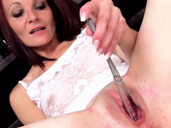 Hot Czech Sweetie Stretches Her Spread Twat To The St68eep