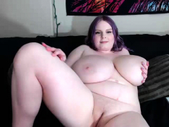 bbw white chick huge boobs cam play