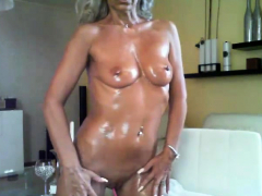 mature cd in lingerie solo