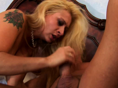 blonde with tattoos love to get fucked