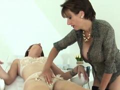 Unfaithful English Milf Lady Sonia Displays Her Enorm04rfv
