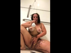 busty-bbw-taking-shower