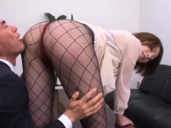 Pricks get jerked by lewd babe Tamaki Nakaoka