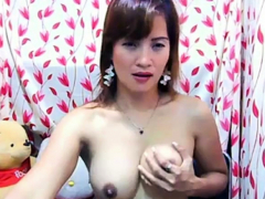 Japanese Camgirl Plays With Herself