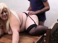 boss-screws-fat-blonde-secretary-in-stockings