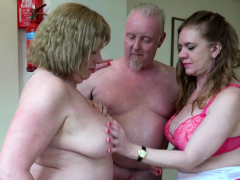 aged-love-lily-and-trisha-in-threesome