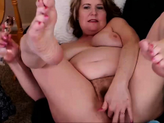 69yo-mature-woman-squirting-with-this