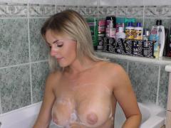 big-tits-babe-washing-her-boobs
