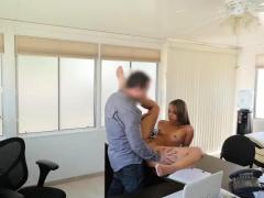 Loan4k. Lagente Del Prestito Organizza Casting Sessuali Per