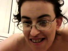 fake-arabian-masturbate-on-webcam