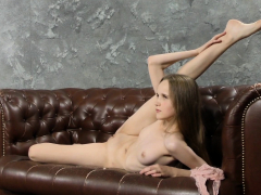 abel-rugolmaskina-sexy-naked-splits