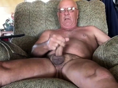 masturbating-while-out-of-town