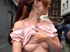 Jeny Smith flashing her perfect tits to strangers