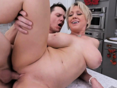dee-bangs-in-the-kitchen-with-young-rion