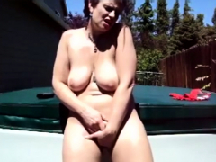 mature-bbw-masturbation-outdoor