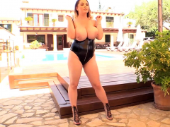 holly-garner-first-time-appearance-showing-her-big-boobs
