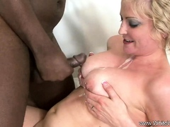 A Sex Session With BBC Makes Her Feel arouse Deeply