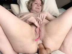 fleshy-pussy-close-up-fingering