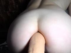 big-ass-cam-girl-dayanna-loves-anal-with-a-big-dildo