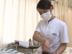 massage-asian-sixtynines-client-before-handjob