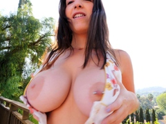 busty-big-tit-brunette-babe-masturbating-in-hot-solo