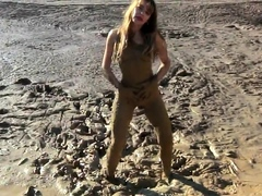 masturbation-in-the-mud