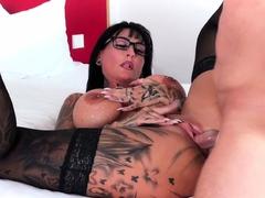 german-big-tits-tattoo-escort-milf-lady-have-a-userdate