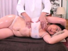 asian-masseuse-sucking-off-fat-client-during-massage