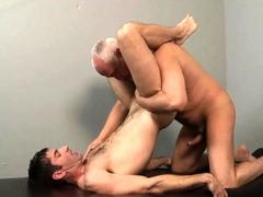 mario-yanko-bareback-massaged-l