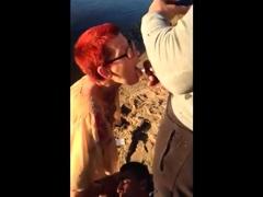 racchia-matura-masturba-due-guardoni-al-fiume