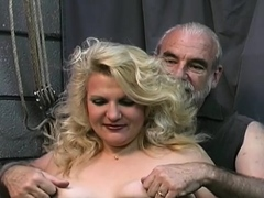 Spicy luscious girlie expreses her nastiness