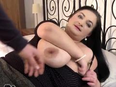 Super Big Tits Mom Gets Fucked