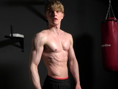 casting-perfect-muscular-boy