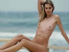 small tits blonde shows her nice body | xnpornx