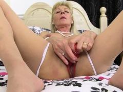 English Gilf Elaine Needs Orgasmic Pleasure