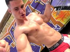 muscle-worship-and-flex