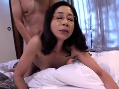 petite-amateur-asian-blowjob