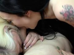 Granny in threeway licked