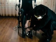 two-women-fetish-latex-asslicking-and-anal-mff